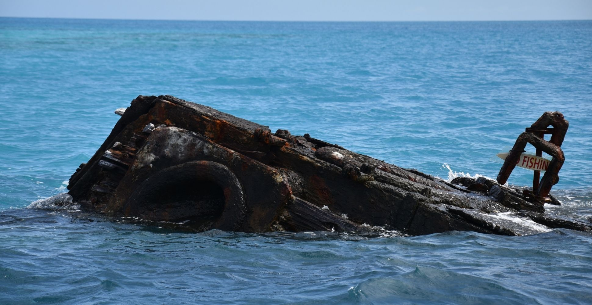 bermuda-triangle-shipwreck