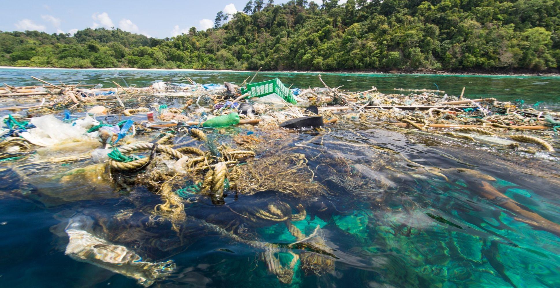 plastic-in-the-ocean